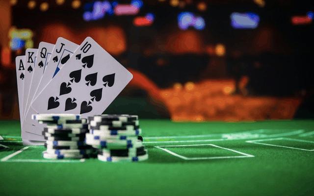 Vi sao khong nen choi Poker khi tam trang khong tot?